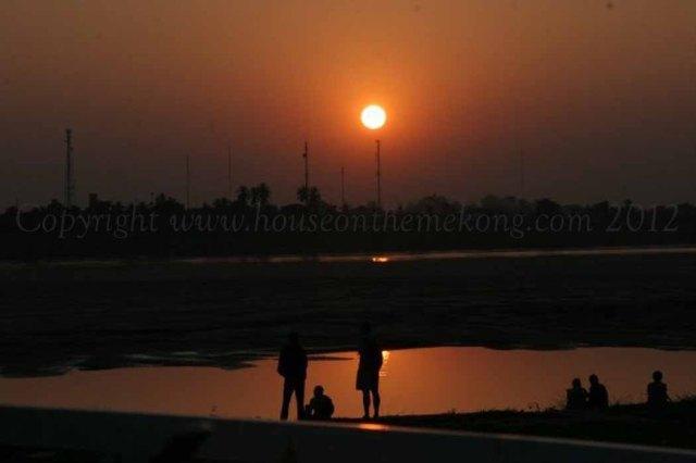 sunset-over-the-mekong1
